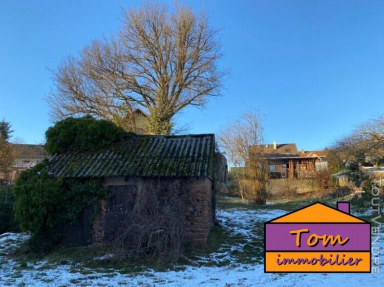 Maison libre a rénover avec jardin et terrain + local