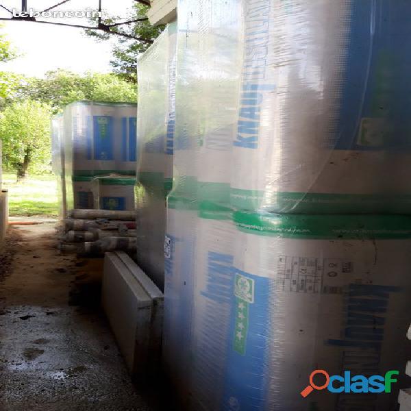 Matériaux d'isolation neufs sous emballage