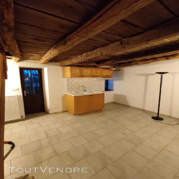 T2 de 41 m² en duplex en bord de vienne