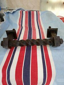 Ancienne grosse poignée de porte fer forgé époque
