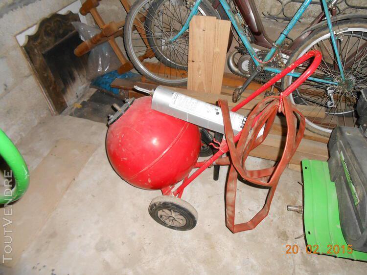 Extincteur à poudre 50kg sur roues