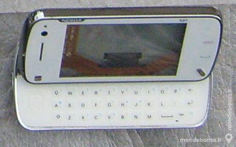 Nokia n97 mini sans écran ni batterie pour pièces