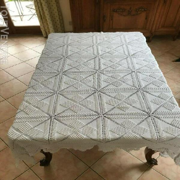 Dessus de lit ancien pour lit en 120 cm de large blanc bon
