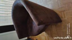 2 petits fauteuils tissu marron