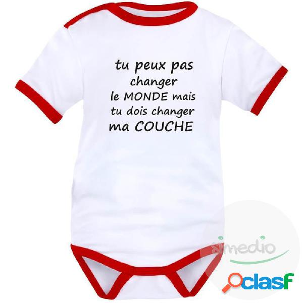 Body bébé message rigolo: tu peux pas changer le monde - blanc avec bords rouges courtes 18-24 mois