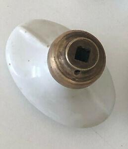 Ancien bouton poignee de porte faience céramique blanche