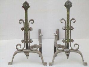 2 chenets anciens en fer forgé beau travail artisanat