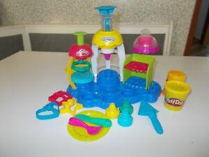 Ensemble pâtes à modeler présentoir à cup cake play doh