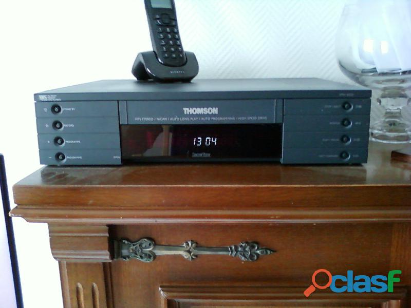 magnétoscope Thomson stereo hifi 4 têtes + cassettes