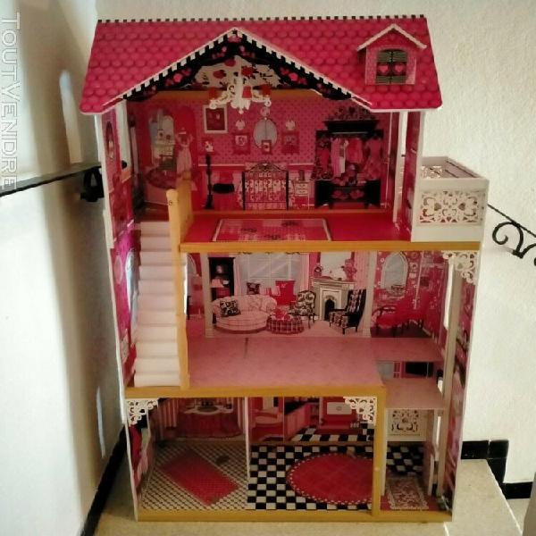 Grande maison de barbie avec accessoires et poupees