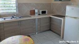 Studio neuf meublé ds bas villa au marin