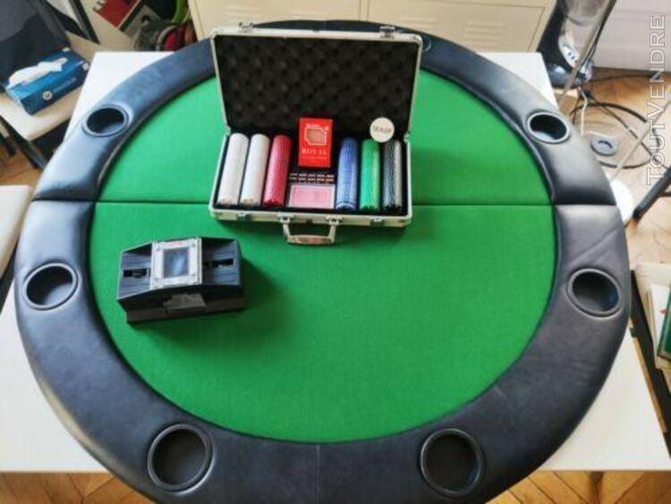 Pack poker: malette 300 jetons, plateau 8 joueurs, mélangeu