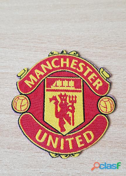 écusson patch football club Manchester United en tissu 7x6,5 cm thermocolllant