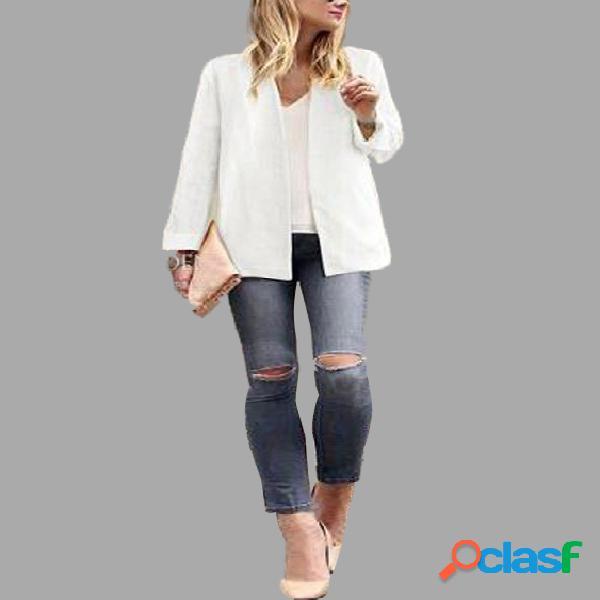 Plain white color plugne coat with shoulder pad