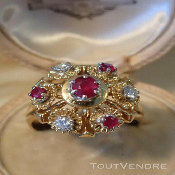 Belle grande bague ancienne or rose 18 carats rubis et diama