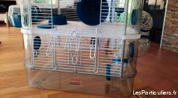 cage hamster + aliment + litière + accessoires